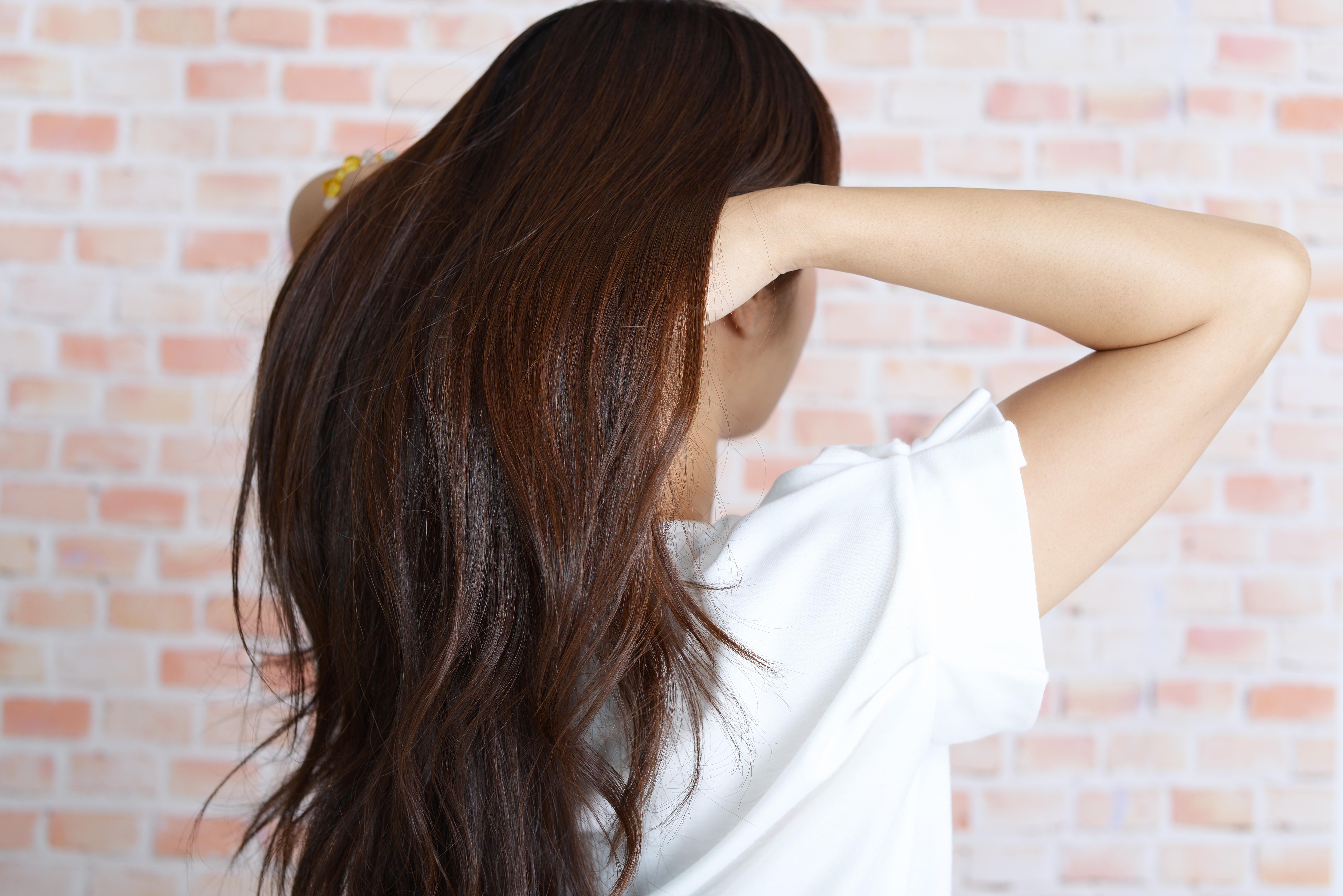 『女性ホルモン』と『髪のダメージ』